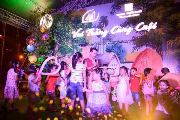 """Rộn ràng ngày trung thu """"Vui trăng cùng cuội"""" tại Chung cư S-HOME PHƯỚC LONG"""